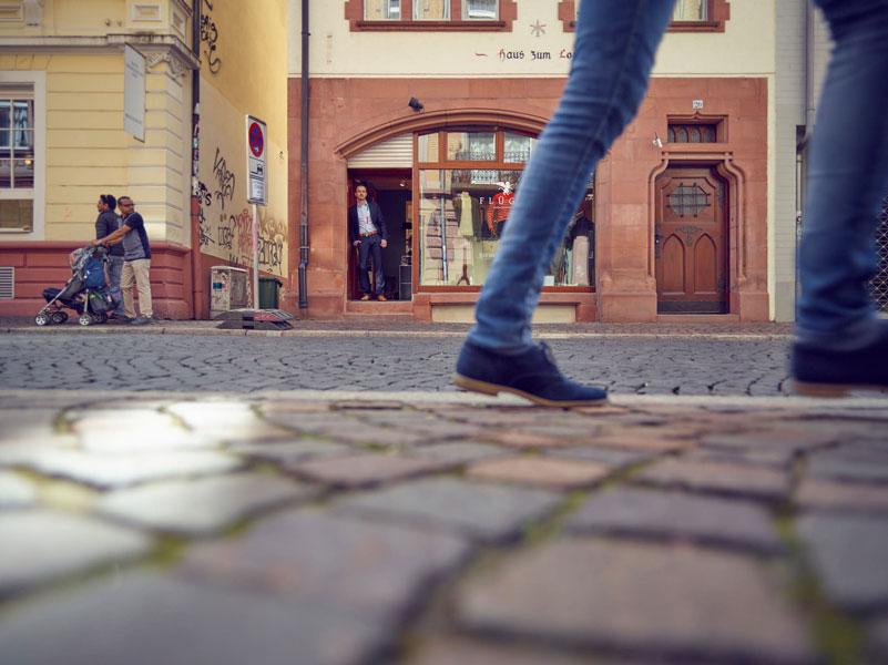 Blaumann Jeans und Fred Perry Polo bei Benedikt Flügel, Ihrem Herrenausstatter in Freiburg